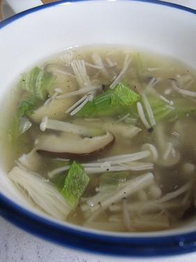 20131018きのことレタスのスープ