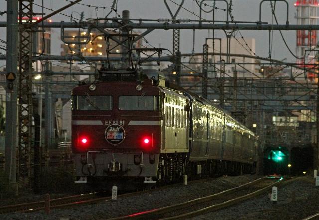 EF81-81 トンネル入りzzzzzzzz