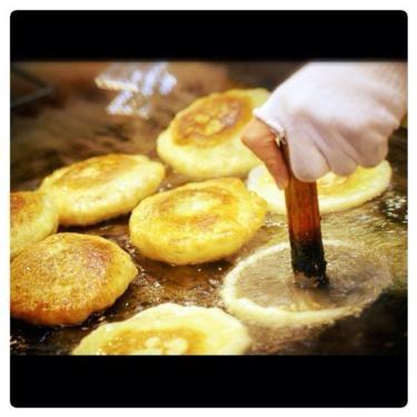 オカズ系も美味しいですがやっぱり甘い香りの호떡(ホットック)が好きッ‼︎