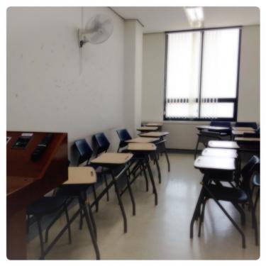 韓国外国語大学の教室はこんな感じです。