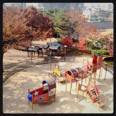 ホンデ大学付近には公園がいくつもあり。