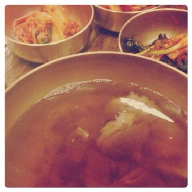 コムタン(牛テールのスープ)シンプルな味ですが旨みたっぷり