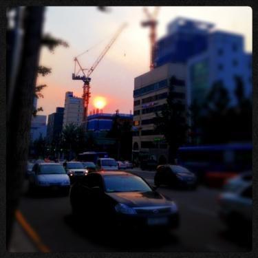 久々にみたキレイな夕日。暖かい色でした。