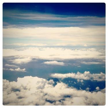 韓国へ向かう空。
