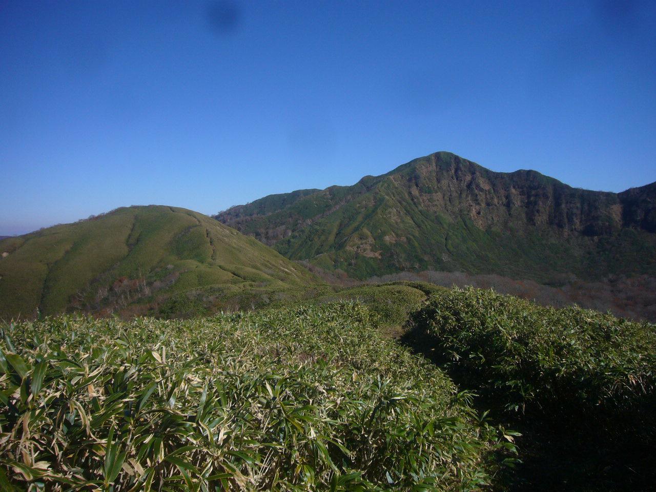 杓子岳近辺より経ヶ岳 H26.10.29撮影