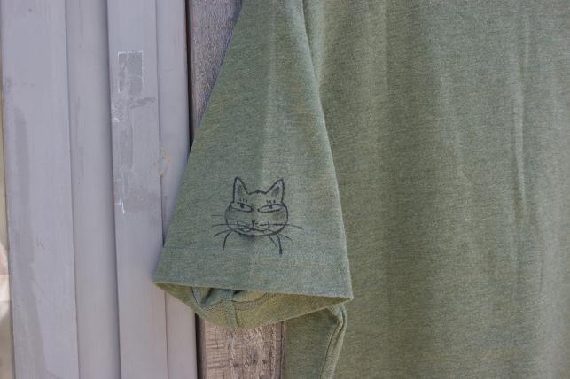 猫5 094
