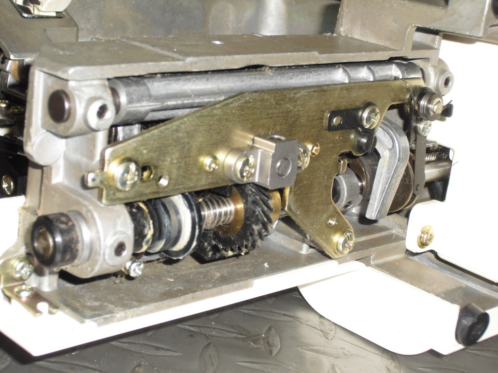 Eluge4300-5.jpg