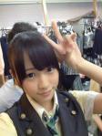AKB48 川栄李奈 セクシー 顔アップ ピース カメラ目線 楽屋 制服衣装 ぶっかけ用オナドル 高画質エロかわいい画像16