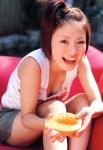 上戸彩 セクシー 胸チラ おっぱいの谷間 舌 笑顔 顔アップ カメラ目線 ショートヘア 女子高生 高画質エロかわいい画像11
