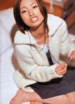 上戸彩 セクシー カメラ目線 女優 高画質エロかわいい画像13