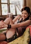 上戸彩 セクシー ショートパンツ 太もも 笑顔 カメラ目線 女優 誘惑 高画質エロかわいい画像16
