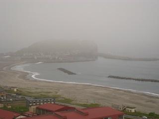 霧のイタンキ浜