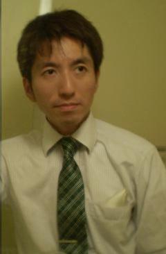 ネクタイとチーフ着用