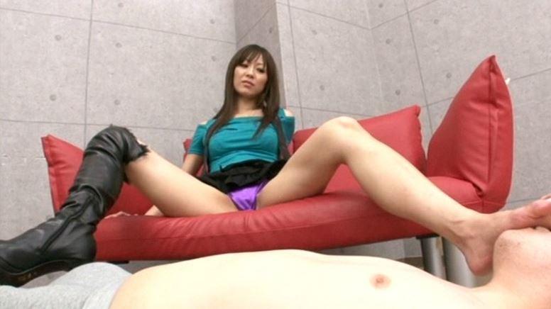 長身モデル堀口奈津美の美脚コキのサンプル脚フェチDVD画像3