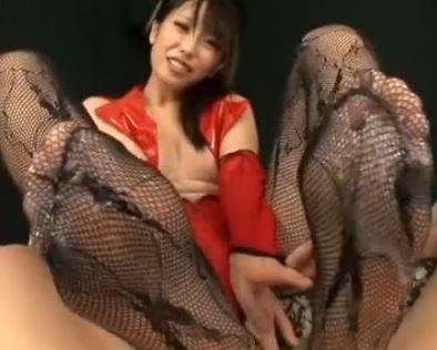 女王様の柄網タイツの足コキで大量射精する足フェチM男のサンプル足フェチDVD画像6