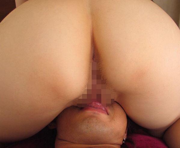 桐原エリカの生足美脚足コキや美尻の尻コキで大量射精のサンプル足フェチDVD画像3