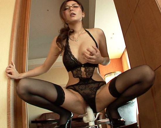 エロい下着の美女に中出しガーターストッキング着衣SEXのサンプル足フェチDVD画像4
