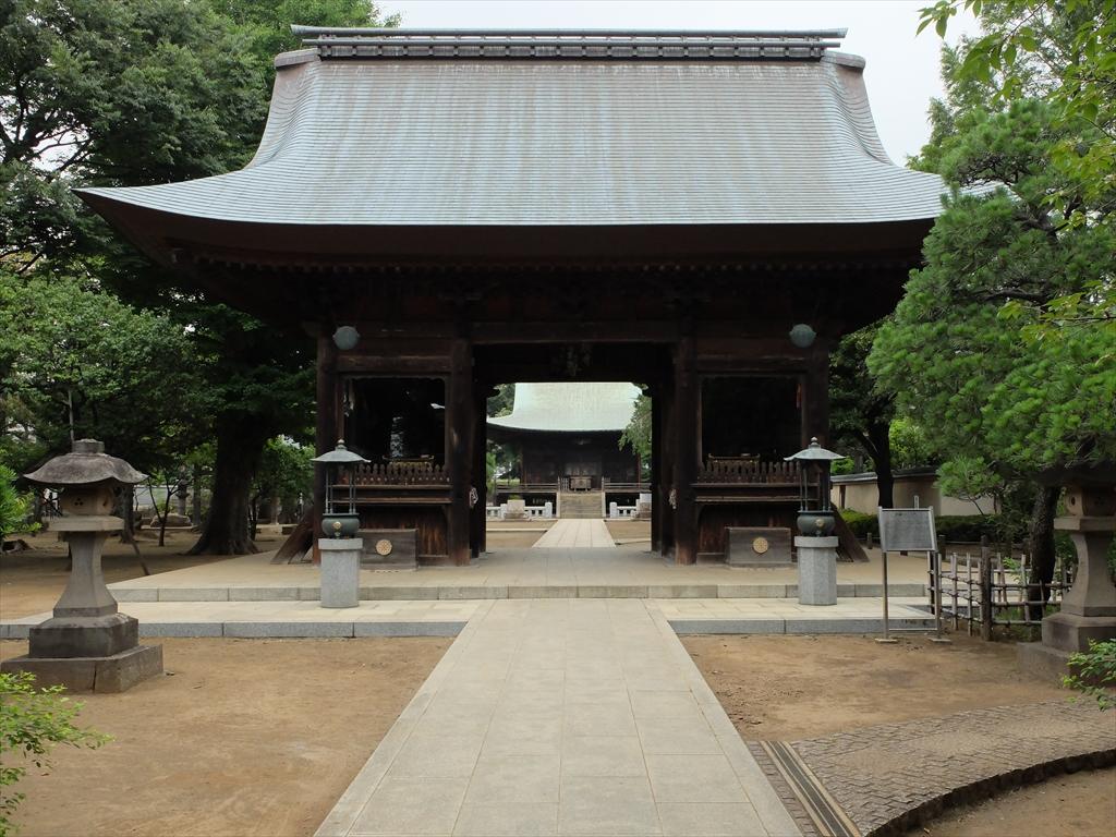 仁王門越しの釈迦堂