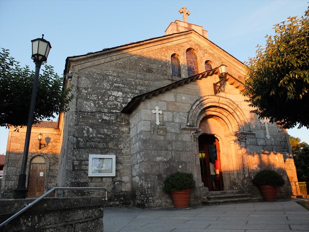 サン・ティルソ教会は夕日に映えて美しいたたずまいだった