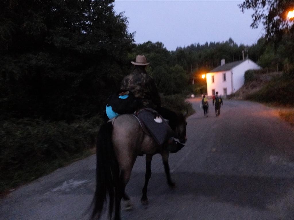 ポルトマリンで出会った馬の巡礼者に再び出会った
