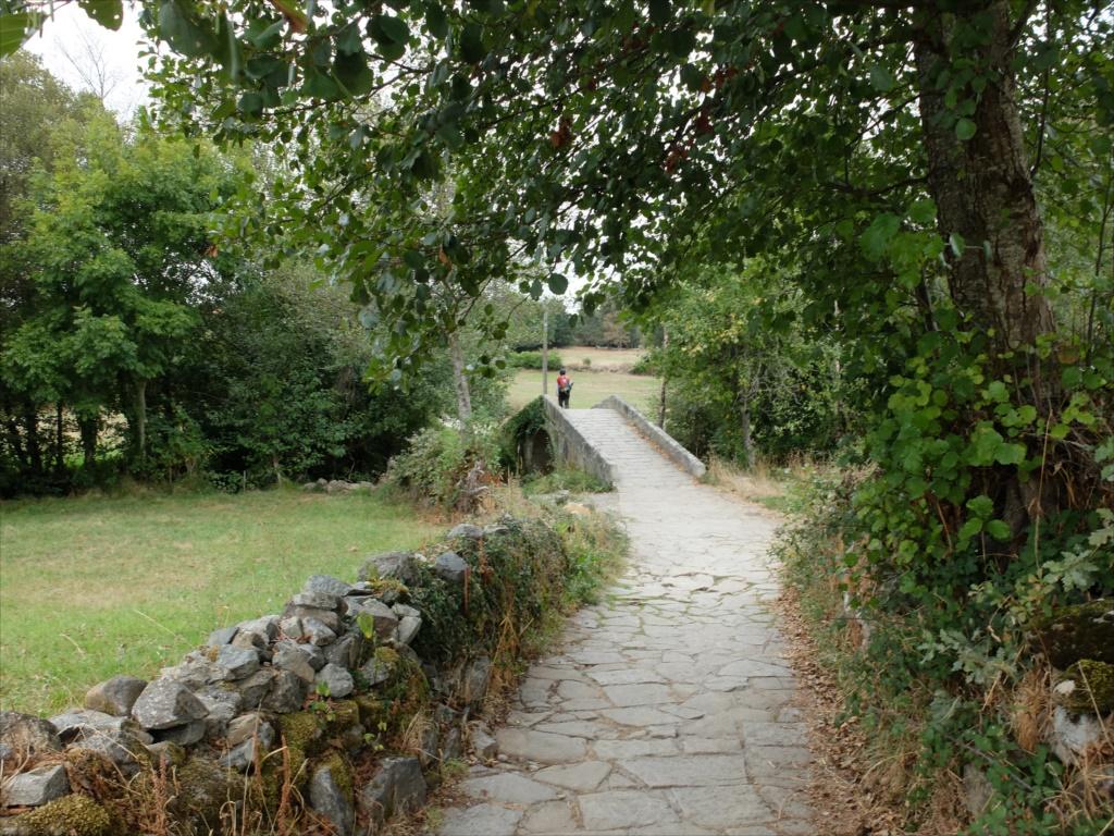 レボレイロの出口にある中世の石橋_4