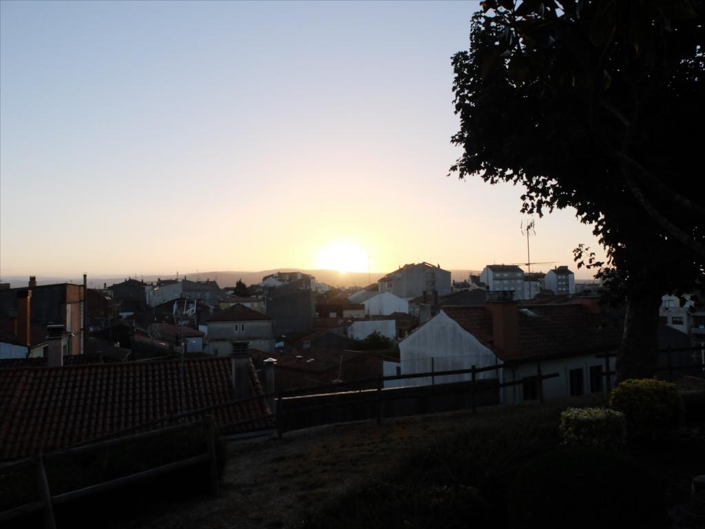 メリデ郊外の高台にて日の出を見る_1