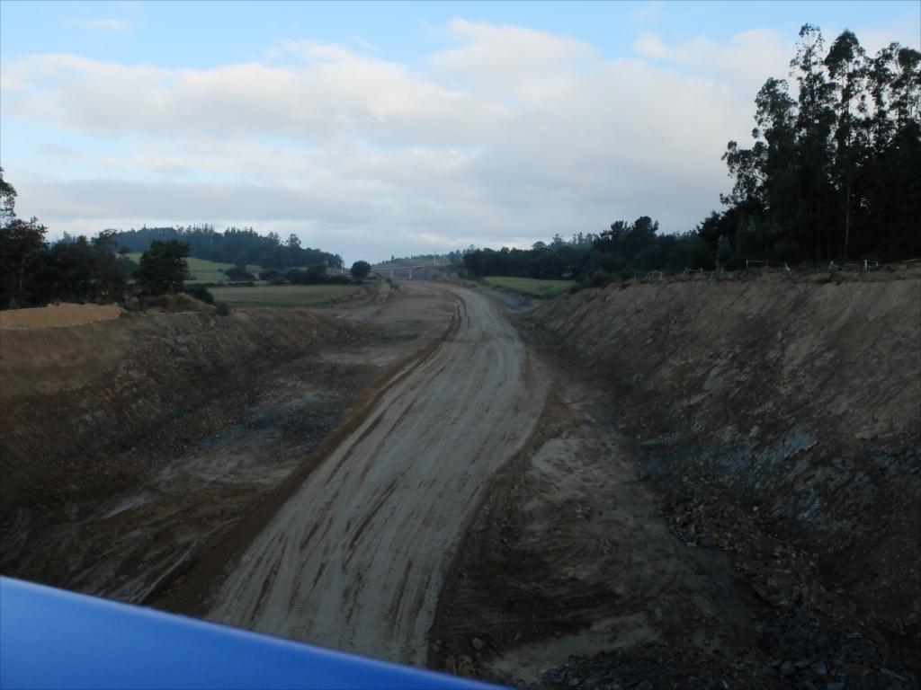 高速道路建設現場のようだ