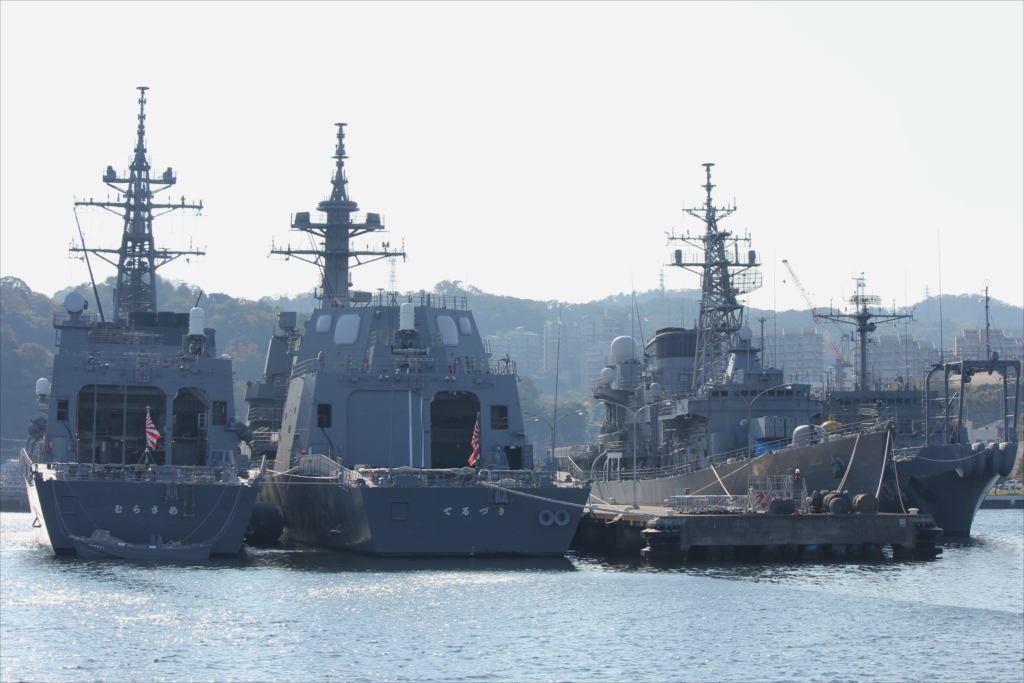 護衛艦てるづき_護衛艦むらさめ_除籍艦「さわゆき」_海洋観測艦『わかさ』