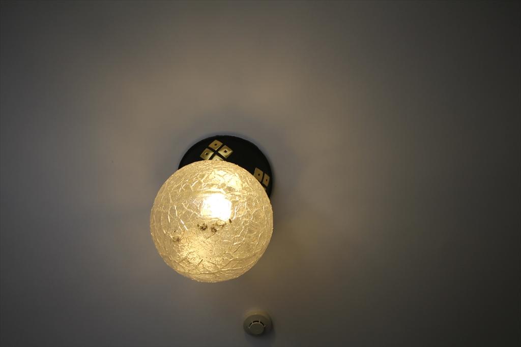 温かな光の玄関照明_1