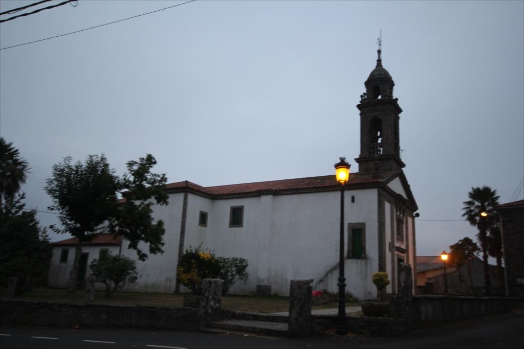 教会のミサは終了していた_1