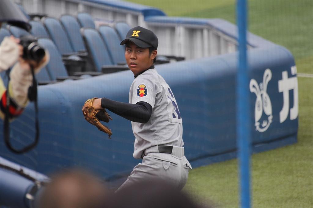 慶応先発高橋投手の投球練習_1