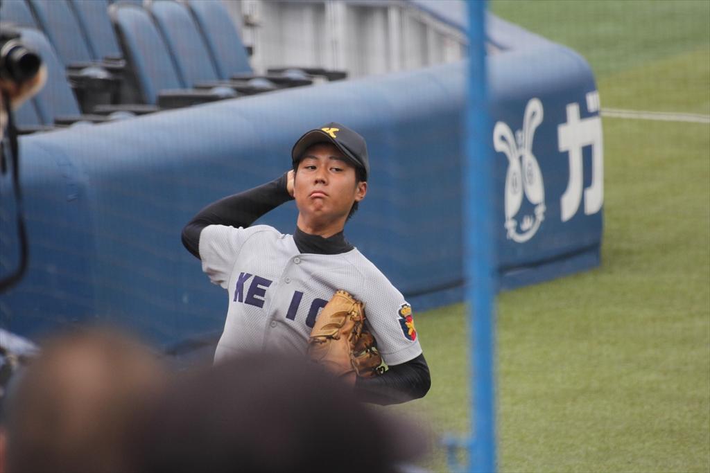 慶応先発高橋投手の投球練習_3