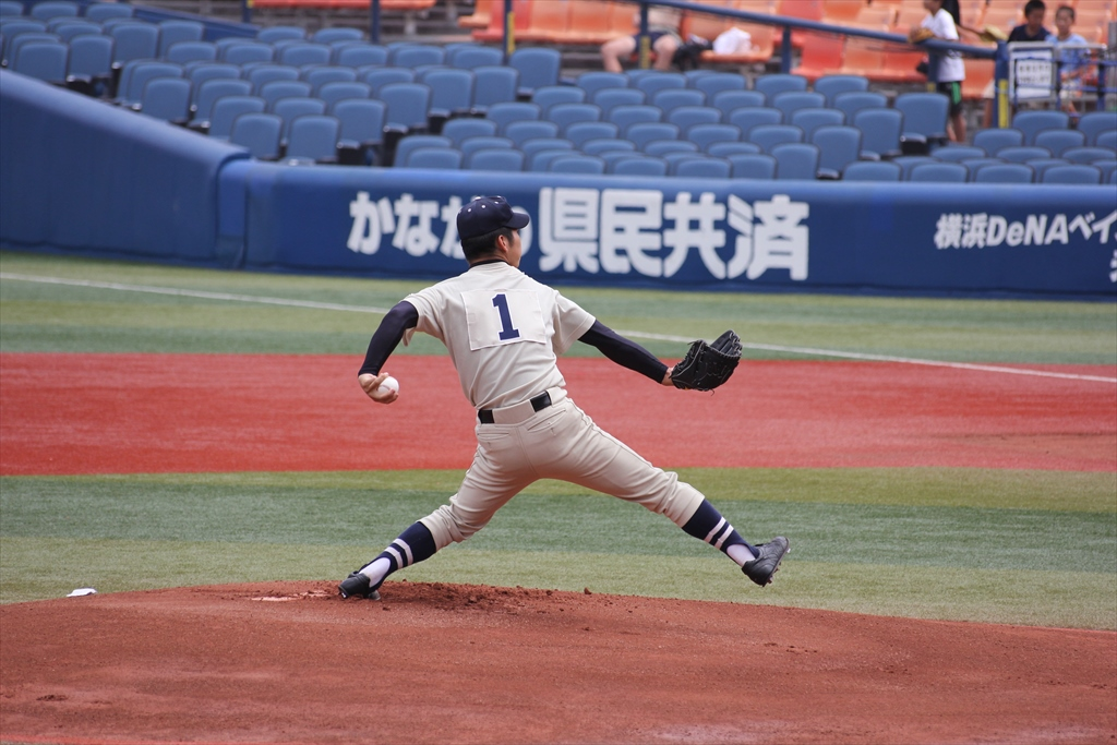 桐蔭先発斎藤の投球フォーム_1