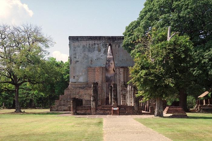 010 Wat Sri Shum