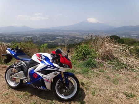 CBRと富士山(ワイド端)