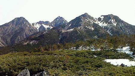 八ヶ岳の主峰群を望む