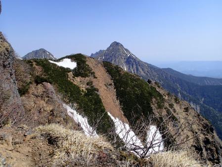 桧峰神社から旭岳と赤岳
