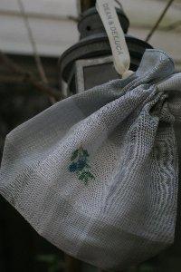 オリーブの刺繍の巾着1