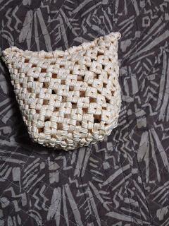 四つだたみ編みの斜め編みかご