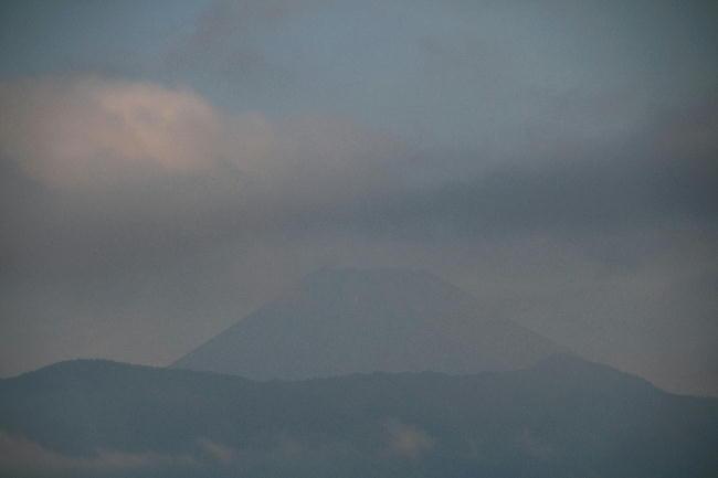 22日 6-04 今朝の富士山