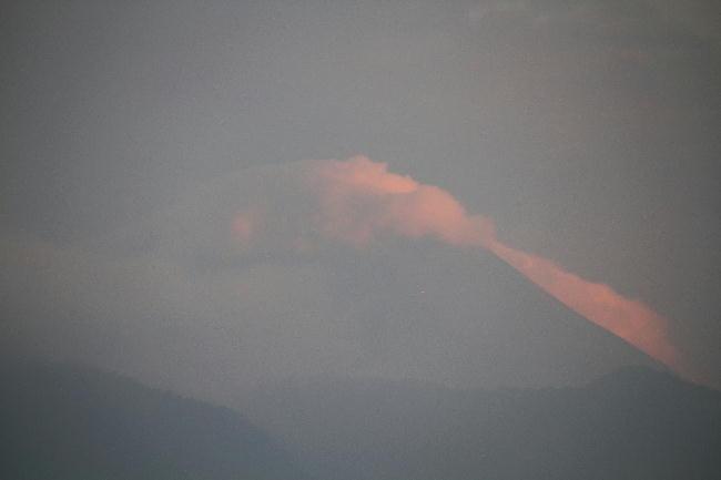 23日 5-14 今朝の富士山1
