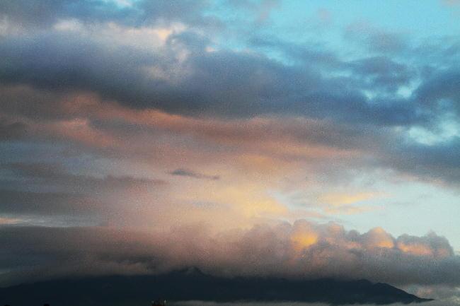 3日 5-29 今朝の富士山-1