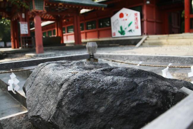 富士宮浅間神社石-15-0鉾立石