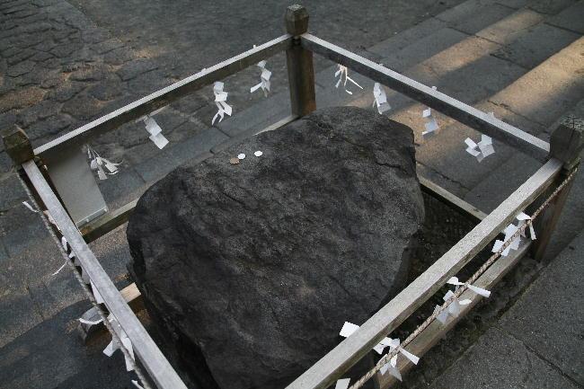 富士宮浅間神社-15-1鉾立石