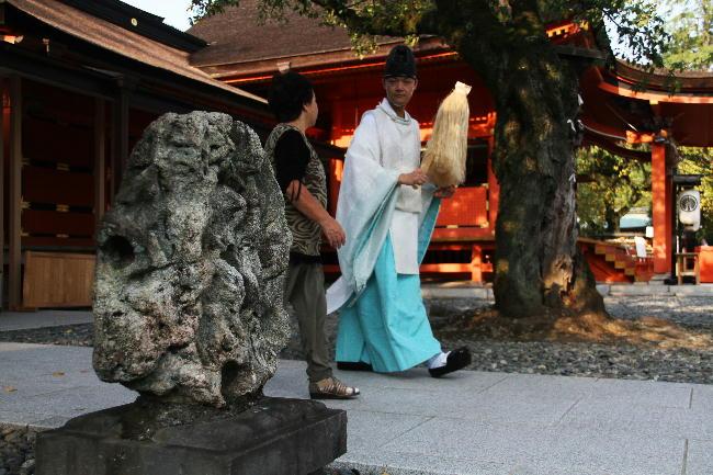 富士宮浅間神社-7南極の石