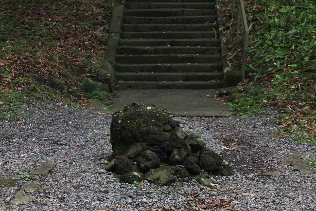 山宮浅間神社結界石-363-1