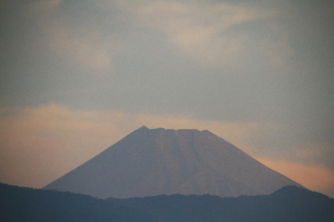 22日 5-48 今朝の富士山