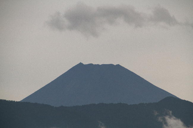 26日 6-04 今朝の富士山