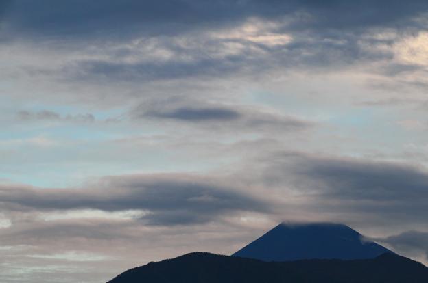 2日 5-53 今朝の富士山-1
