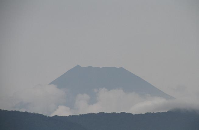 4日 13-02 今日の富士山-2